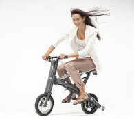 Stigo-Electric-Scooter-Riding